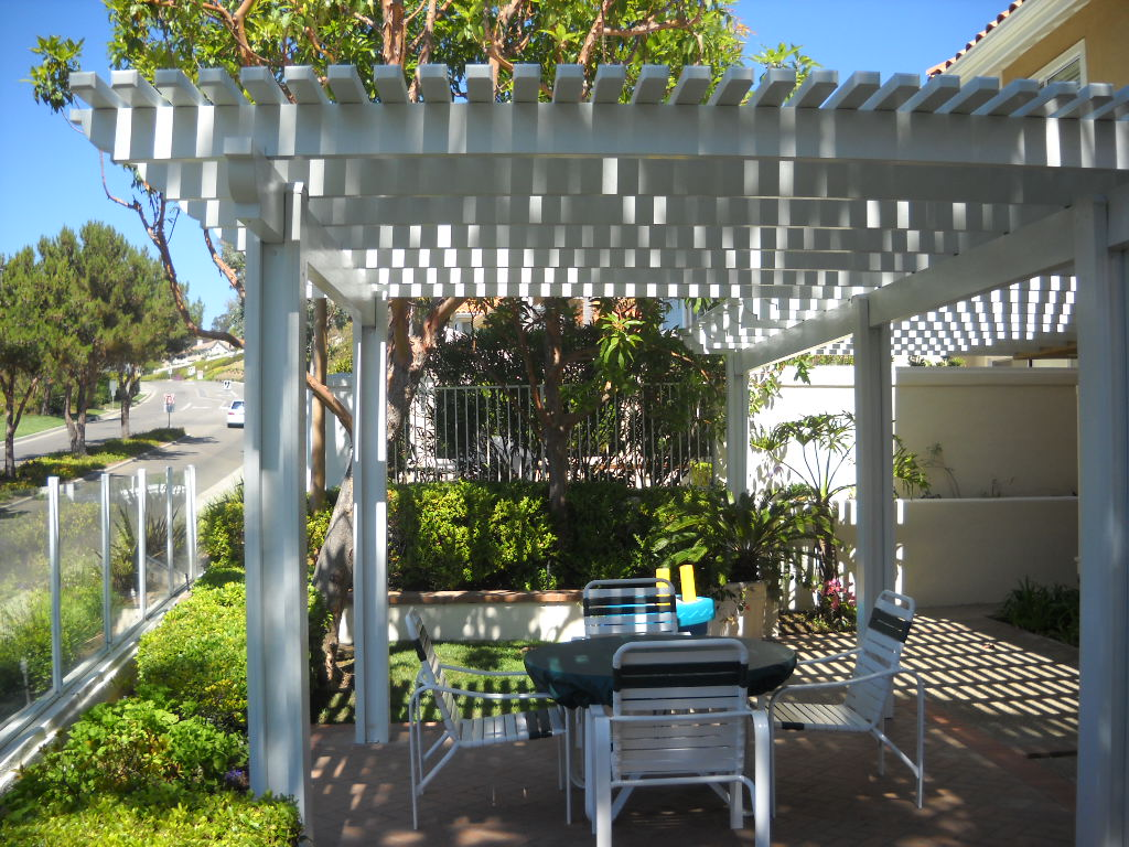 Closely Spaced 2x3 Aluminum Patio For Max Shade In Mission